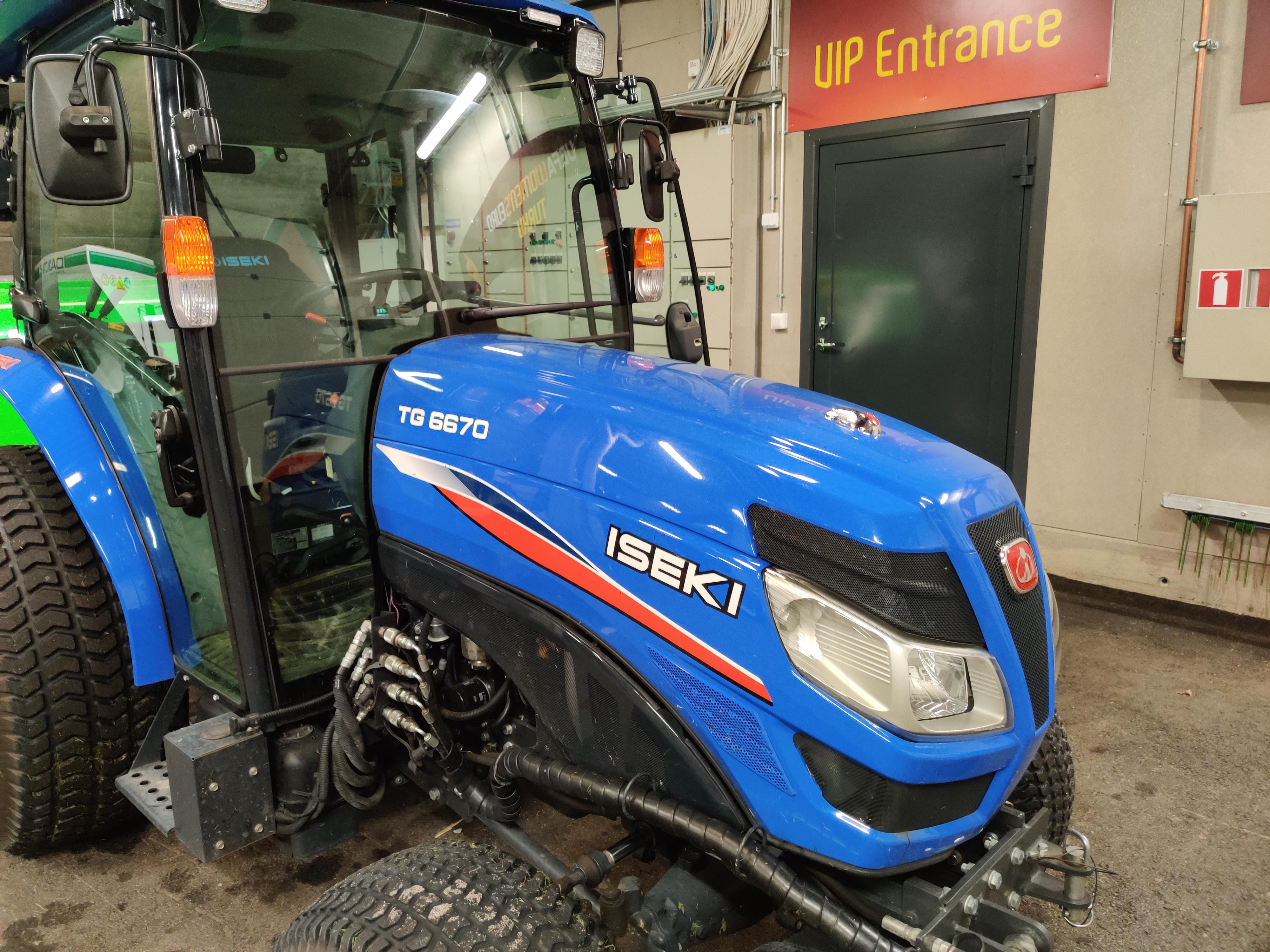 Sininen traktori